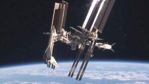 Nasa zeigt, wie ein Spaceshuttle an die ISS andockt