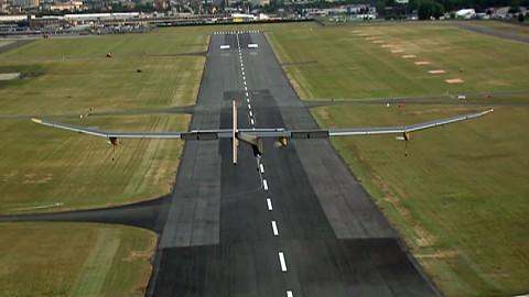 Solar-Impulse-Flug von Brüssel nach Paris