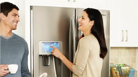Samsung zeigt Kühlschrank mit LCD-Screen und Apps