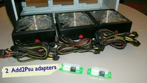Add2PSU zeigt drei Netzteile in einem PC