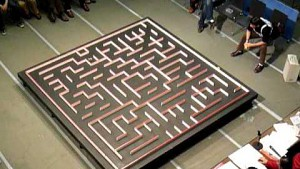Micromouse auf Erkundungsfahrt im Labyrinth