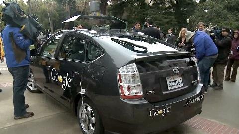 Roboterauto-Regeln für Kalifornien - Alex Padilla