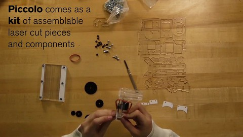 Zeichenroboter Piccolo - Trailer