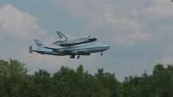 Boeing 747 nimmt Spaceshuttle huckepack