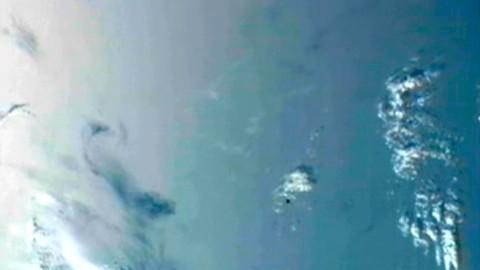 Dragon nähert sich am 24. Mai 2012 der ISS