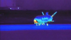 X-37B OTV landet nach 15 Monaten im All