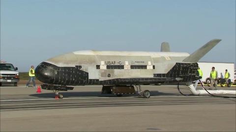 X-37B OTV kehrt aus dem All zurück - Boeing