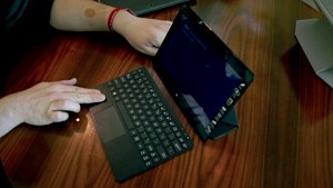 Asus Vivo Tab Smart ME 400 - Hands on (CES 2013)